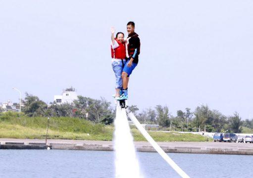 Flyboard-水上鋼鐵人