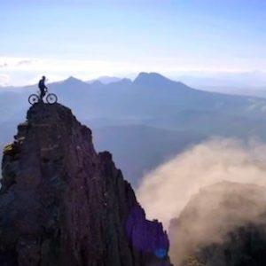 既瘋狂又浪漫的極限越野自行車「The Ridge」