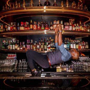 Community / player / bartenders  do parkour  調酒師跑酷記Bartender...