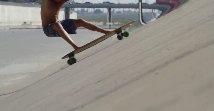 Community Video / skateboarding/ .. title ?Fish的甩尾看似很困難,其實很簡…