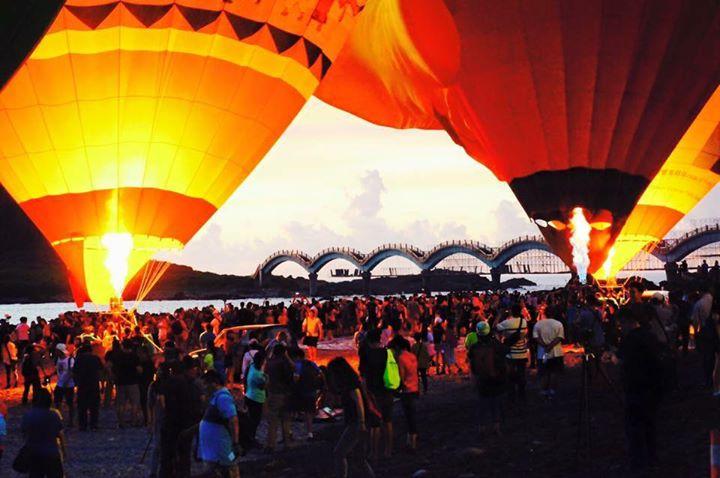 Community photo / hotairballon @台東最美的光雕除了天時地利人和外! 團隊的合作及前置作業…