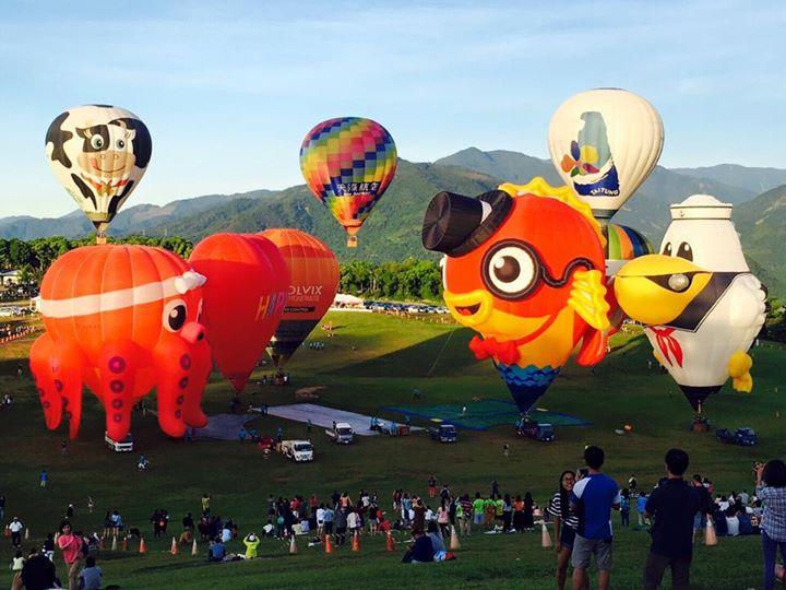 Photo / hotairballon Taitunghsien, T'Ai-Wan, Taiwan???第二波新球亮…