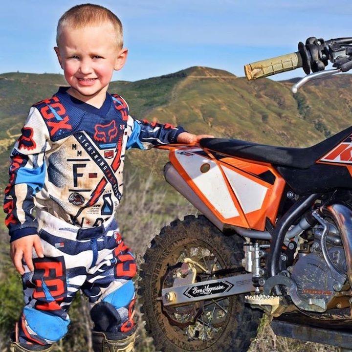 Community video / motor / 4 years old biker  ;)Meet 4-year-o…