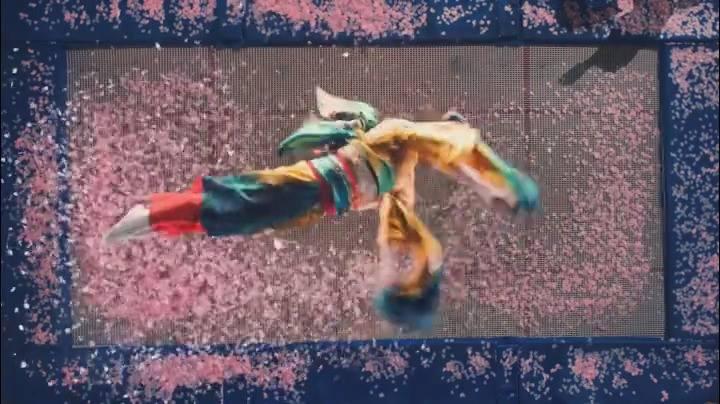 Community video / The Fliping Geisha #trampoline  #蹦床在櫻花瓣中跳…