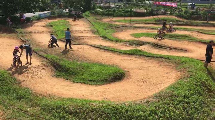 Community video /motocross ground for kids下週日8/13滑步車賽, 這週先來適…