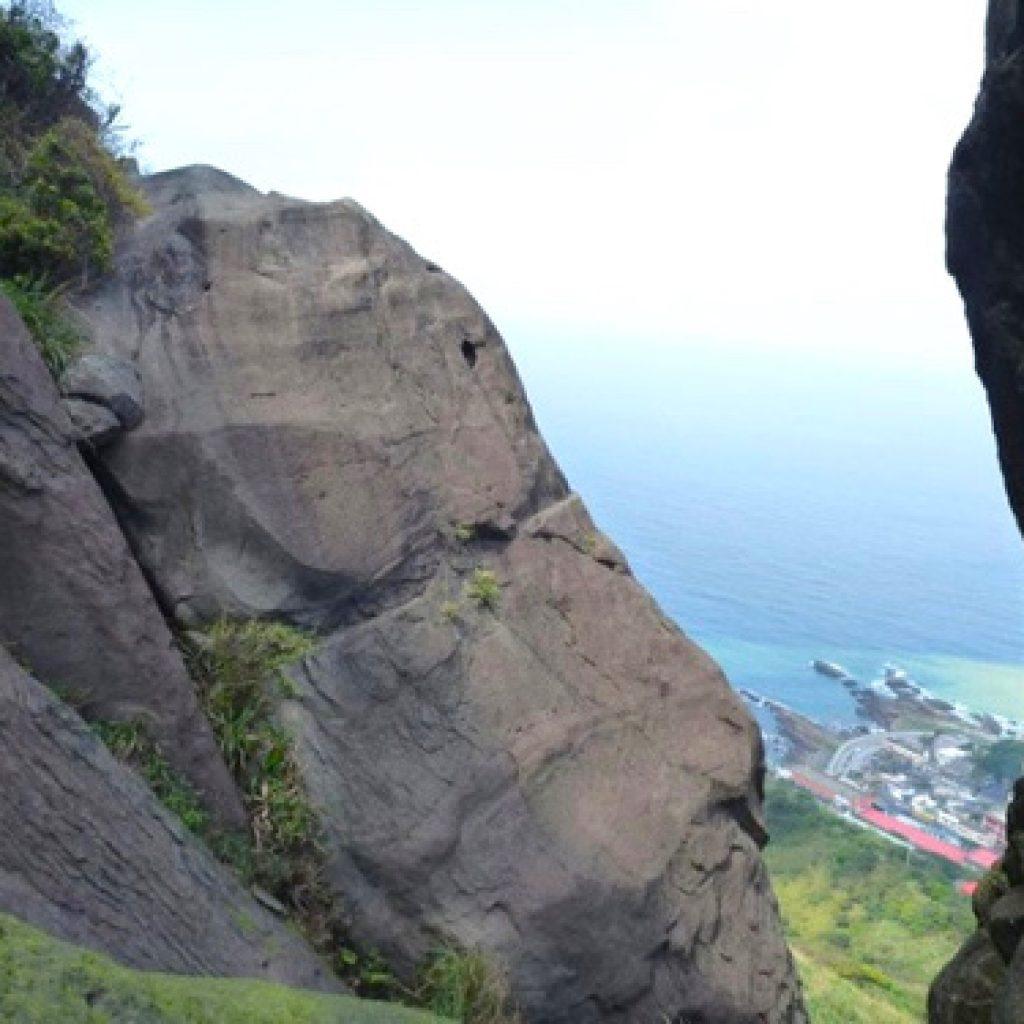 攀岩天然岩場-新北市瑞芳|雷霆岩