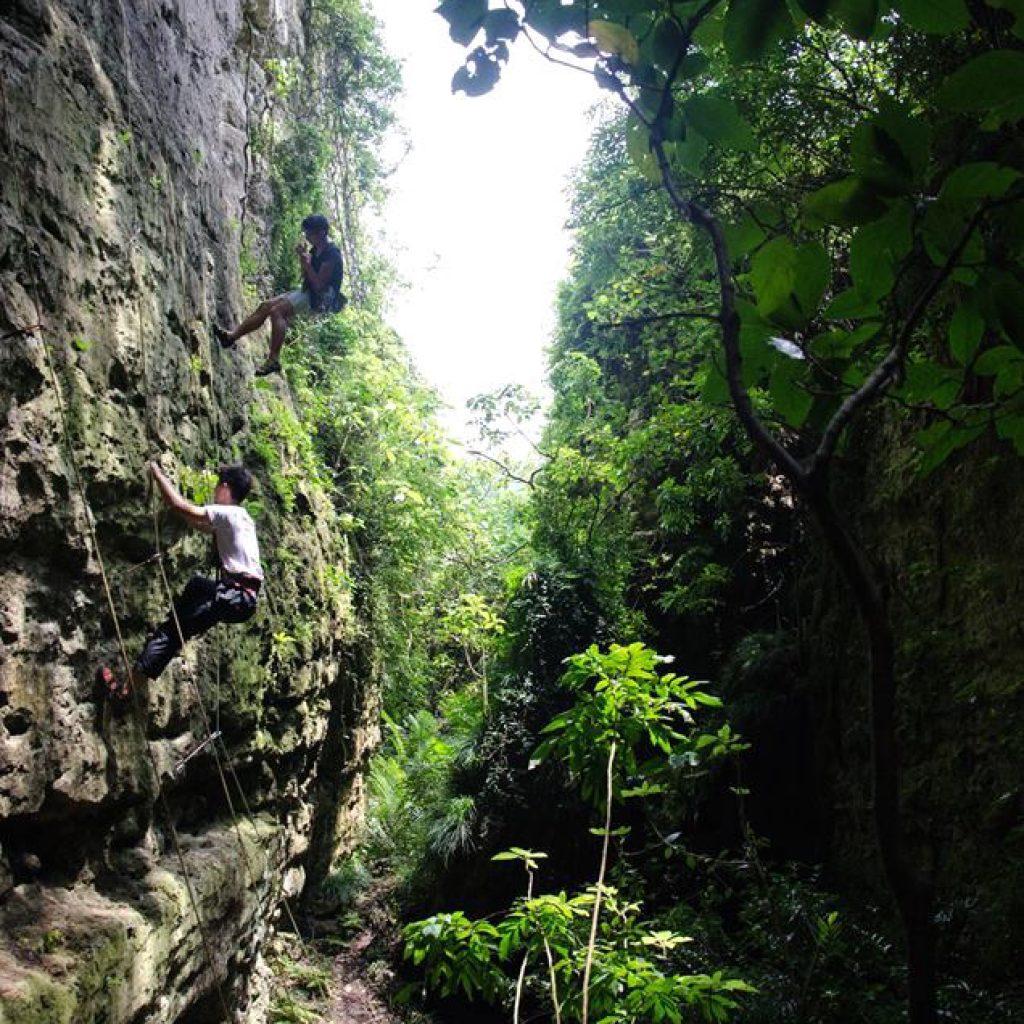 攀岩天然岩場-高雄|一線天岩場(盤龍峽谷)