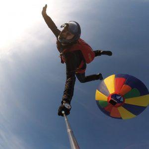 CommunityVideo/ #skydivingTake to the skies! ☀️