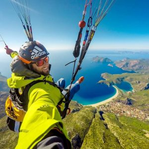 community video/  #paragliding / such creative n beautiful v...