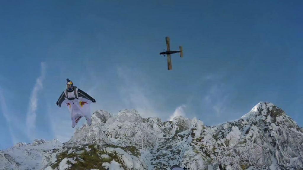 法國極限運動員挑戰定點跳傘向前人致敬 – now 新聞