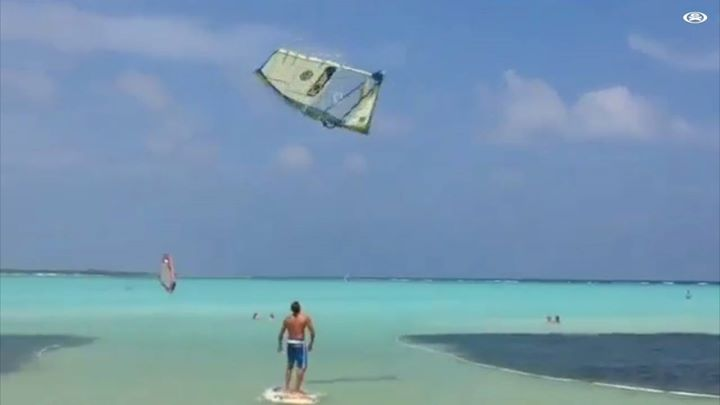 community video/  #windSurfing / wow what a skill !credit…