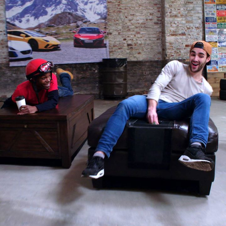 Community video /motor/ lets drive furniture!!!  LolCredit…