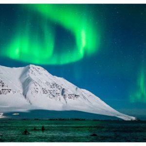 冰島怎麼可以這麼美!在極光下衝浪的紀錄片絕對史上最震撼