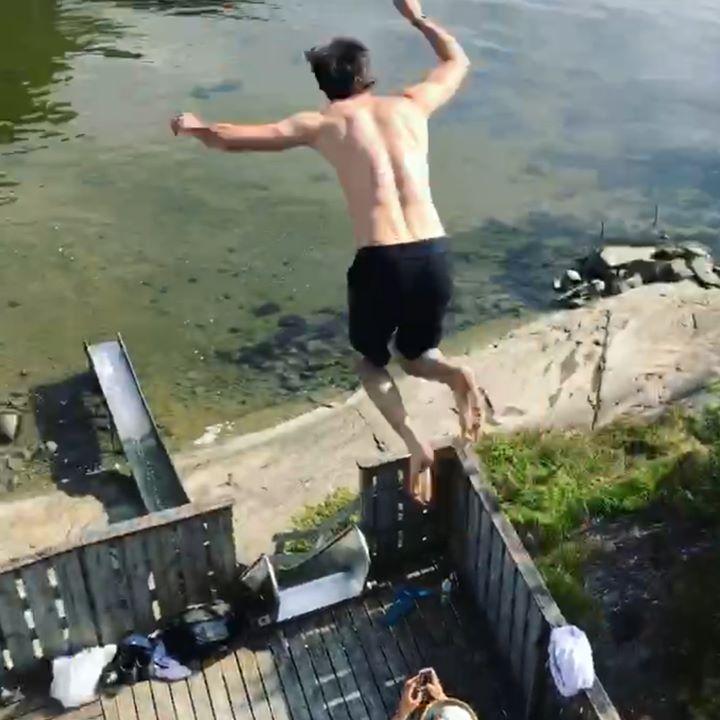 community video / cooooool people ..credit: People Are Aw…