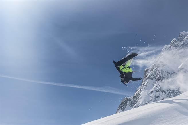 二度攻頂聖母峰離奇失蹤《極限登峰》改編運動天才故事