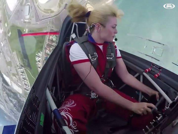 CommunityVideo/ #flight/ outstanding girl pilot  Credit EXTR...
