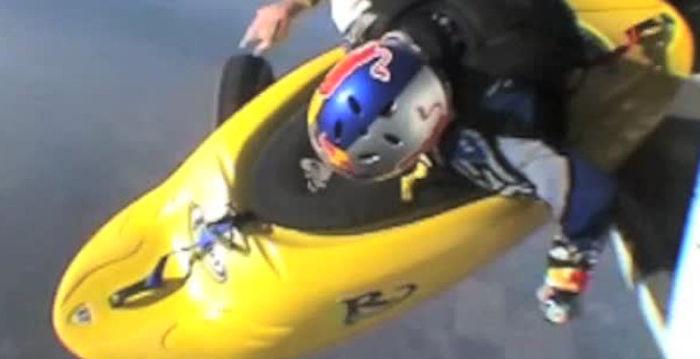 極限運動員坐皮艇空中飛迎戰恐懼勇氣驚人