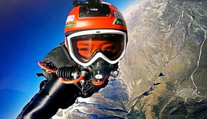 棄企業高層職位學翼裝飛行跨越喜馬拉雅︰男人知我跳傘嚇跑了!