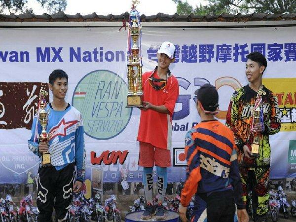 南投之光營北國中辜紹瑜姊弟獲台灣越野摩托國家賽冠軍