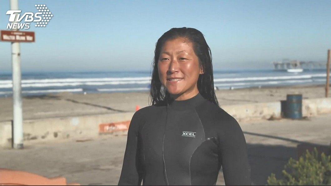 雙眼幾乎全盲! 台裔女視障選手晉級衝浪決賽 - Yahoo奇摩新聞