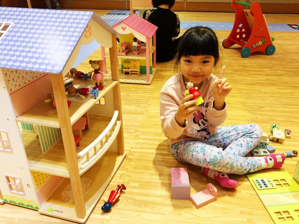 ▲「探索英倫世界」主題館,打造全國最大的兒童木製玩具遊戲場。(圖/記者陳美嘉攝)