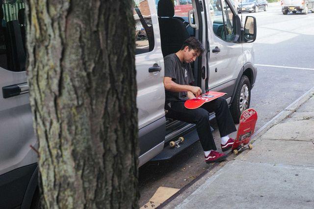 VANS突破滑板鞋3種極限! 90後明日之星參與設計 - 蘋果日報