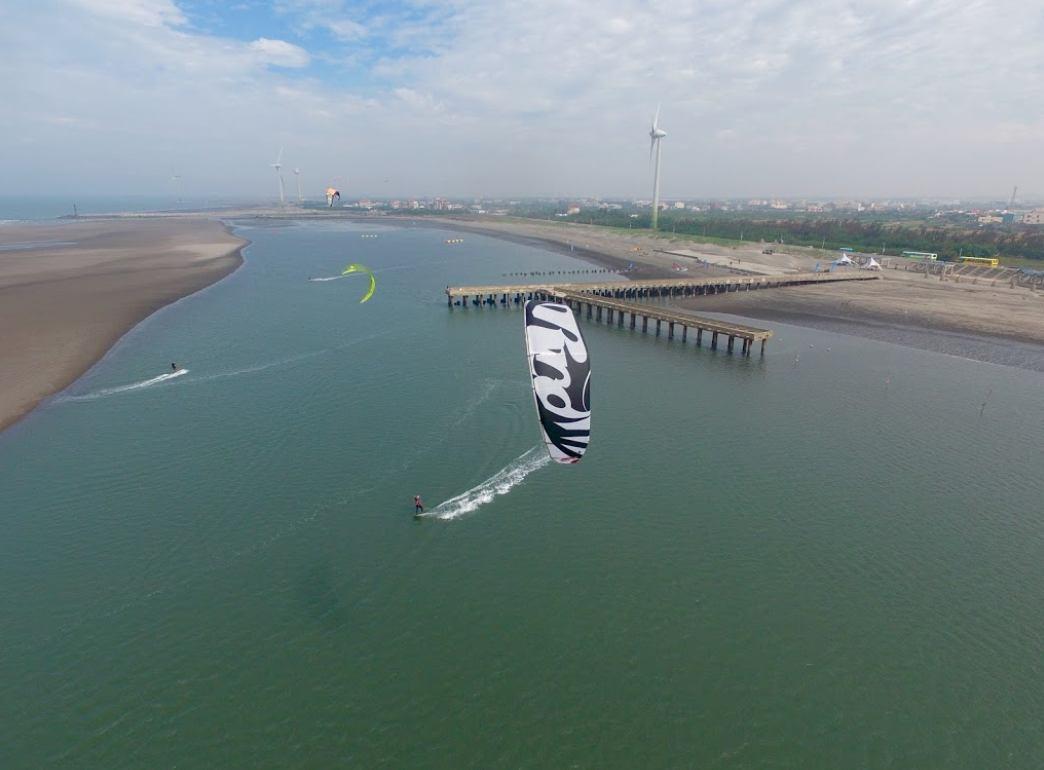 風浪板 場地 - Taichung Kitesurfing Center