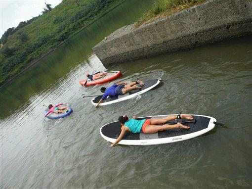 秒懂「立槳衝浪」SUP!全台15選SUP旅遊體驗懶人包   名家  ...
