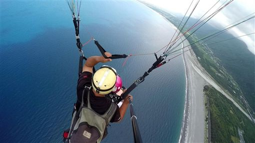 花蓮飛行傘業者「違法飛越太平洋」 政府竟無法可罰 | 生活 |...