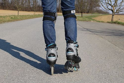 inline-skates-rollerskates-recreational-sports-sport