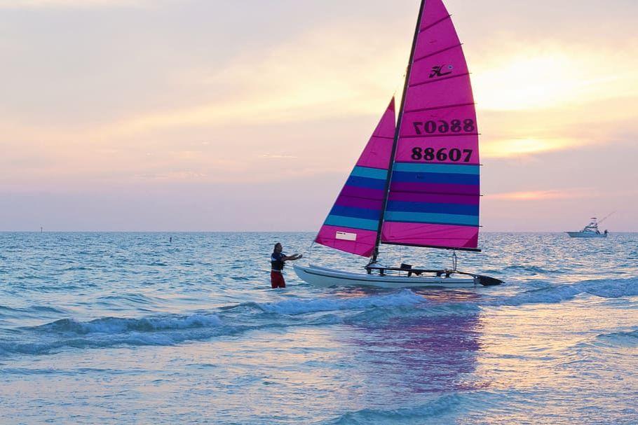 sailing-boat-boats-sea