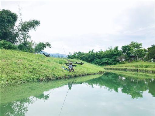 冬山河,小船,搭船,電動小船,宜蘭(記者郭奕均攝影)