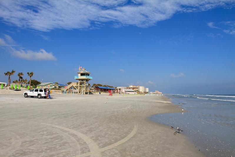 """""""世界鯊魚咬傷之都""""——新士麥那海灘(New Smyrna Beach)。(圖片:Gary J. Wood/Flickr)"""