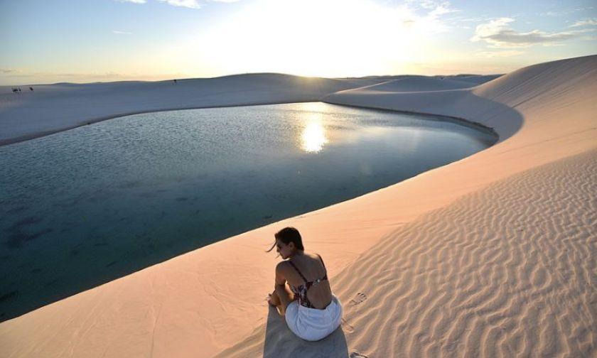 倫索伊斯馬拉年塞斯國家公園潟湖 Photo by Rosanetur from Rio de Janeiro Brazil, License CC BY 2.0.jpg