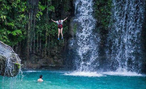 菲律賓最恐怖的極限運動蹦谷跳水行一般人不敢嘗試-體育新聞 - 臺灣新浪網