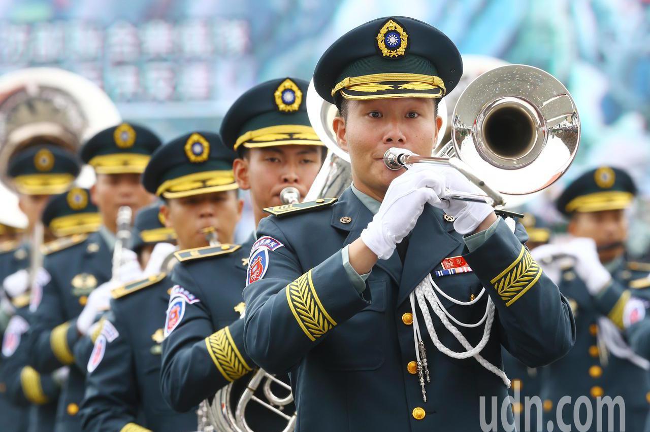 圖輯/國慶大會表演 防疫人員代表領唱國歌 - UDN 聯合新聞網