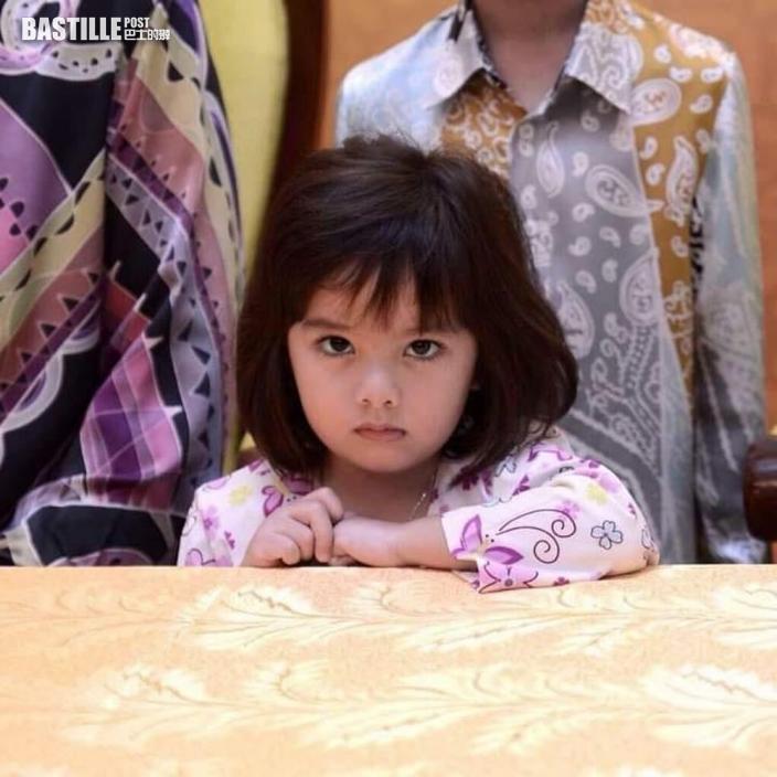 大馬9歲公主表情多多 憑「厭世」萌樣網絡走紅! | Plastic