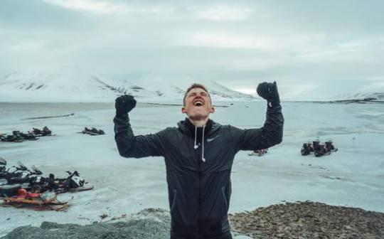 73小時的瘋狂挑戰他在南極完成超級鐵人三項-體育新聞 - 臺灣新浪網