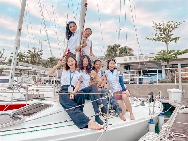 亞果遊艇會舉辦重帆公開賽,有女子組隊參賽。(亞果遊艇集團提供/程炳璋台南傳真)