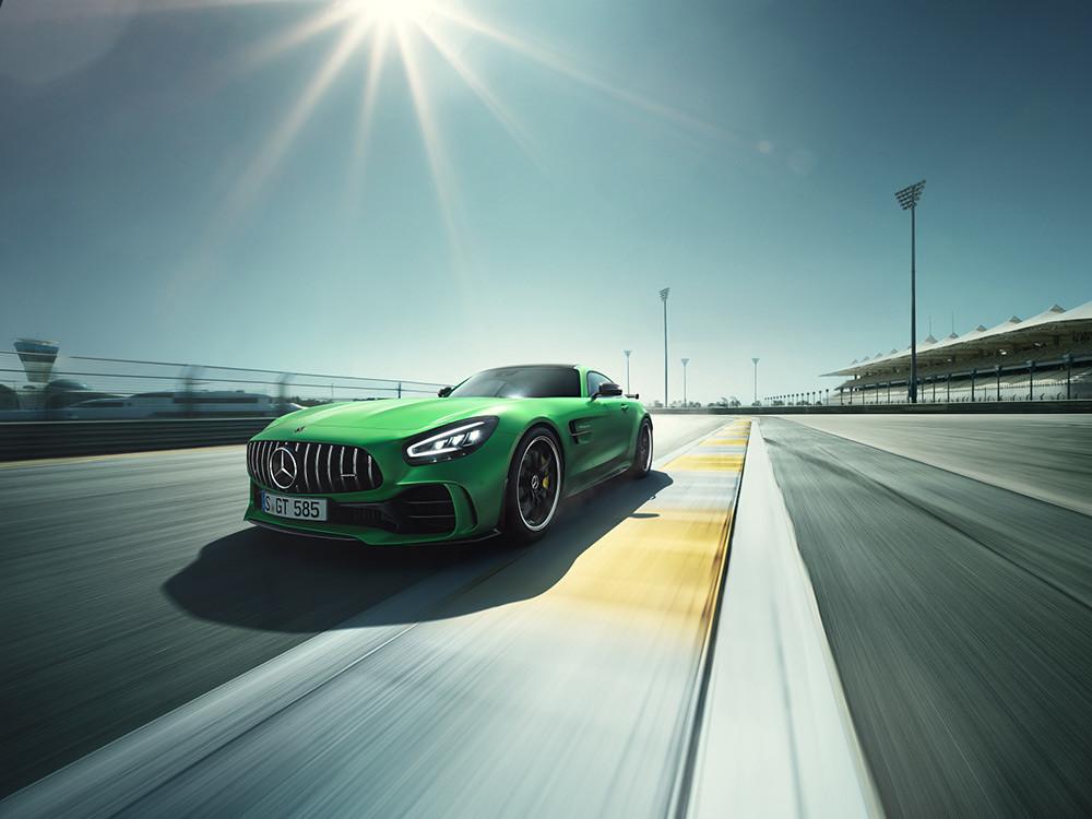性能掛帥!全新Mercedes-AMG GT、GT R在台上市 - Yahoo奇摩汽車機車