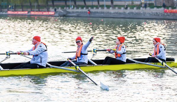 換個角度看南京中國(江蘇)2020全國名校水上馬拉松精英賽在寧舉辦 - 新華網江蘇頻道