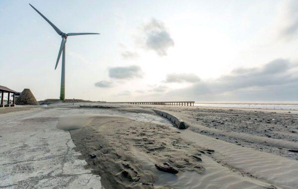 台灣衝浪點-台中大安濱海海水浴場