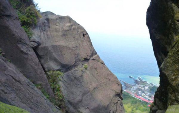 攀岩天然岩場-新北市瑞芳-雷霆岩