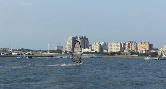 windsurfing kitesurfing spot - 八里風帆碼頭